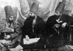 Drei Mevlevi-Scheiche in ihrer Alltagstracht, Dal Sikke und Dschubba